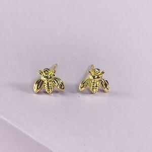 CLOSET REHAB Jewelry - 🆑 Gold Bee Studs 🐝
